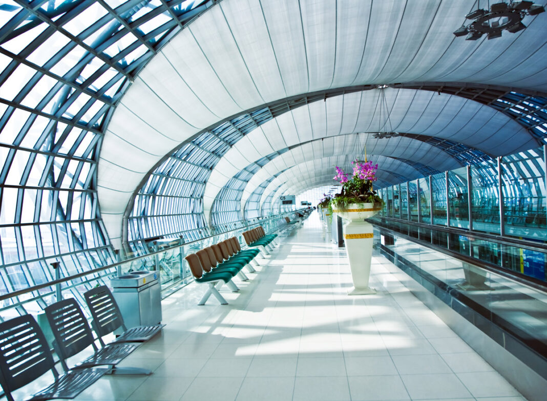 Rückholung-aus-Thailand-Abflughalle-Flughafen-Suvarnabhumi-Bangkok