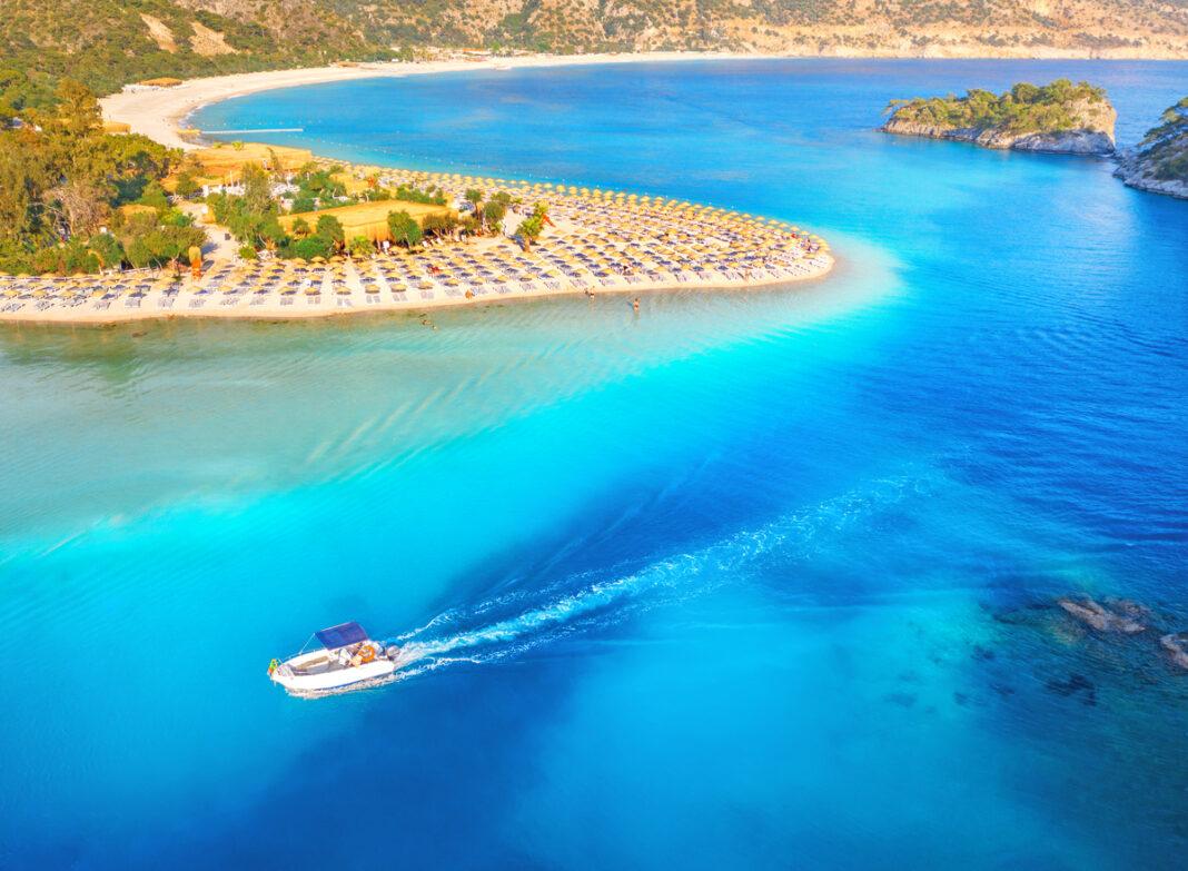 Die Türkei hat tolle Strände, die sich für einen Urlaub eignen