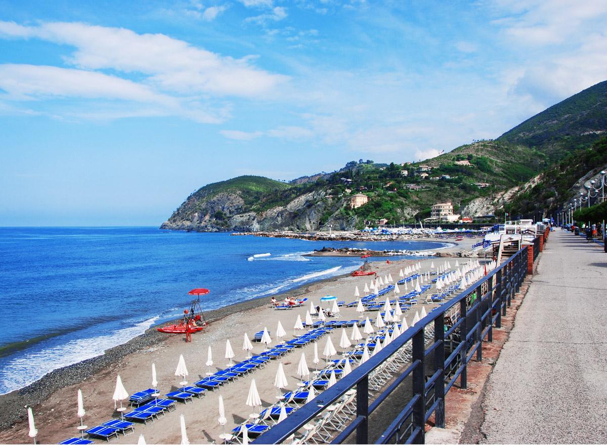 Levanto liegt nahe an den fünf Cinque Terre-Orten