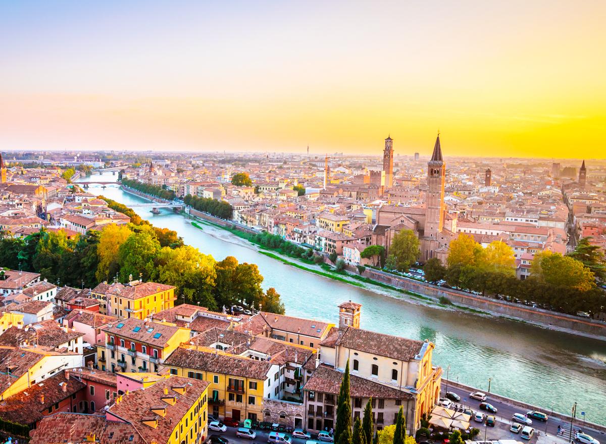 Verona ist nicht direkt am Gardasee, sondern 30 Minuten entfernt